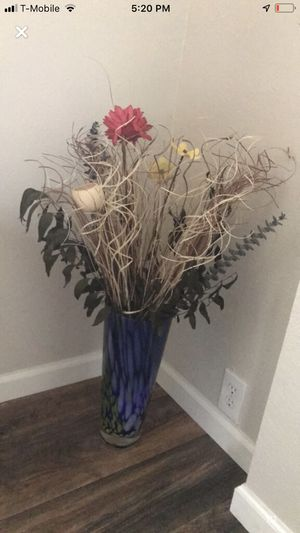 Vase and flowers for Sale in Katy, TX