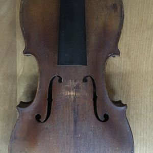 Old Violin lot for Sale in City of Industry, CA