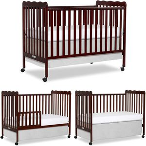 Brand New Dream On Me 3 in 1 Convertible Crib for Sale in Columbus, OH
