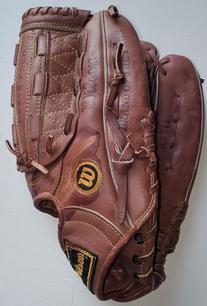 Wilson Ultra Flex Back Glove Crown Web A2311 Dual Hinge Right Hand Throw 12.5 for Sale in Fullerton, CA