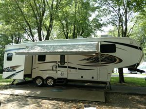 PRICE REDUCED! 2011 Montana 3150rl Hickory Edition for Sale in Murphysboro, IL