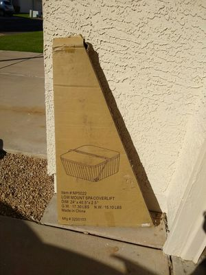 Hot tub jacuzzi low mount spa cover lift - brand new - for Sale in Peoria, AZ