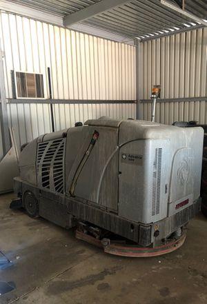 Advance Captor 4800 Battery Rider Sweeper Scrubber Floor Machine for Sale in Phoenix, AZ