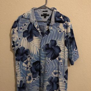 Tommy Hilfiger Hawaiian Shirt   Large for Sale in Austin, TX