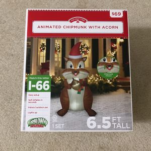 Animated Chipmunk With Acorn6.5 Ft Tall for Sale in Woodbridge, VA