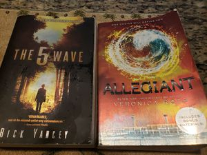 5th Wave or Allegiant Paperback Books $3 each for Sale in Portland, OR