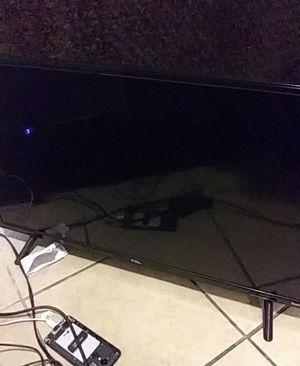 32' tcl roku smart tv for Sale in San Bernardino, CA