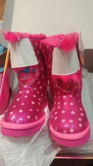 Trolls Winter boots size 8 toodler for Sale in La Puente, CA