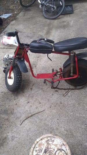 Thunderbird mini bike frame a motor not running for Sale in Cleveland, OH