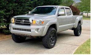 Excellent 20O9 Toyota Tacoma 4WDWheels for Sale in Philadelphia, PA