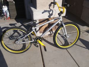 Gt mach1 pro 24 bmx bike for Sale in Peoria, AZ
