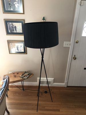 Black tripod floor lamp for Sale in Washington, DC