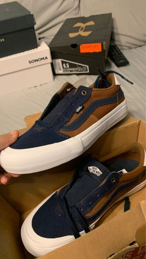 Brand new vans and Hilfiger shoes for Sale in Laredo, TX