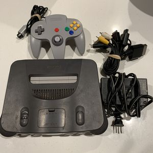 NINTENDO 64 WITH ALL CORDS 1 CONTROLLER NO GAMES for Sale in Fresno, CA