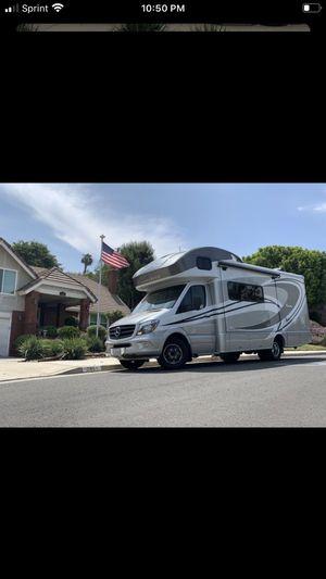 2015 Winnebago RV for Sale in Riverside, CA