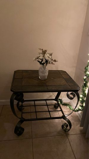 Set of two end tables $40 each for Sale in Jan Phyl Village, FL