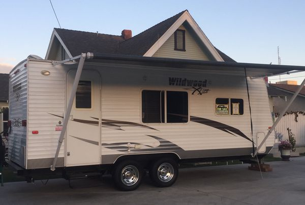 FOR SALE MINT CONDITION, 20 FT LONG, 2011 TRAVEL TRAILER ...