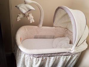 Bassinet for Sale in Levittown, NY