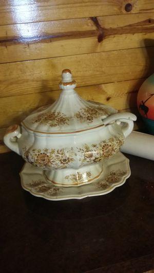 Antique soup/gravy bowl for Sale in Vidalia, GA