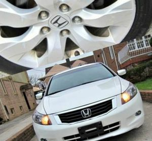 Super clean. 2010 Honda Accord XLE V6. FWDWheels for Sale in Amissville, VA
