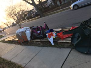 Free stuff curb side and pallets for Sale in Rockville, MD