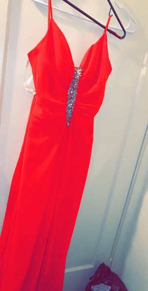 Beautiful Prom / bridesmaid dress for Sale in Endicott, NY