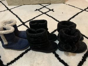Size 9 toddler girl boots for Sale in Oakbrook Terrace, IL