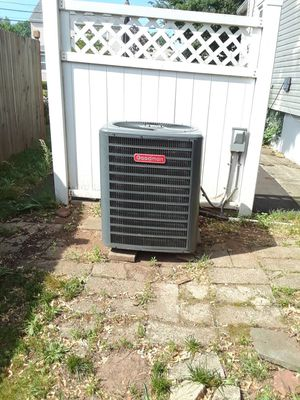 Goodman GSC130481BB AC Condenser for Sale in New York, NY