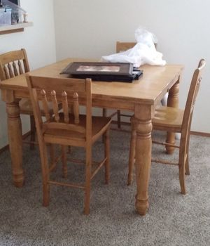 Leaf dining table for Sale in Wichita, KS