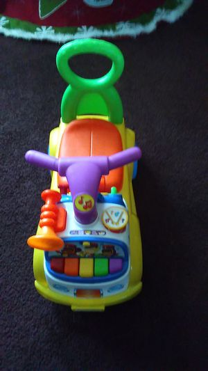 Great car toy carrito musical baby for Sale in Los Angeles, CA