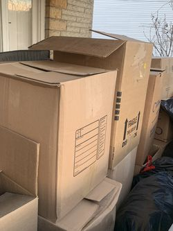Free Empty Moving Boxes And Packing Paper for Sale in Clairton,  PA