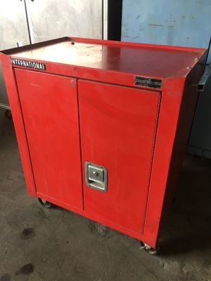 INTERNATIONAL TOOL BOX for Sale in Chino, CA