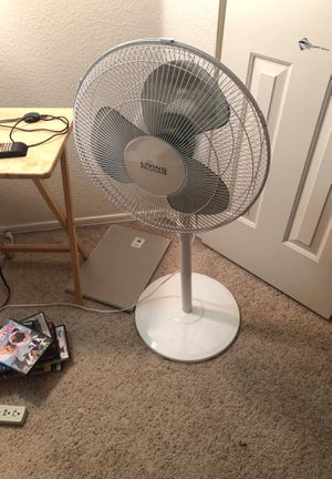 Pedestal fan for Sale in Gilbert, AZ