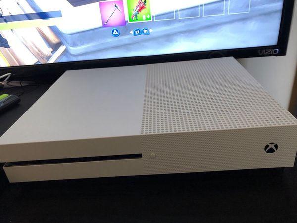 Xbox One 1TB W/ Volcano Controller
