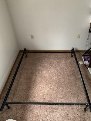 Metal bed frame (full) for Sale in Howell, MI