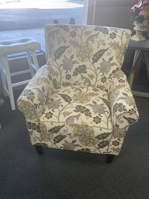 Accent chair on sale 🎈🎈🎈only today $260 ..ready for pick up 5301 n Blackstone ave Fresno ca 93710 for Sale in Fresno, CA