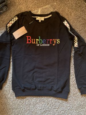 Burberry top. Size L. for Sale in Addison, TX