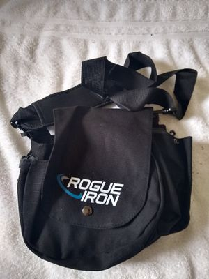 Rogue Iron Disc Golf Bag- Sling Tote Bag for Frisbee Golf - Holds 1-9 Discs, Water Bottle, and Accessories for Sale in Granbury, TX