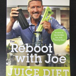 Two New Juicing Books How-to & Extensive Recipes $10 For Both Together for Sale in Los Angeles, CA