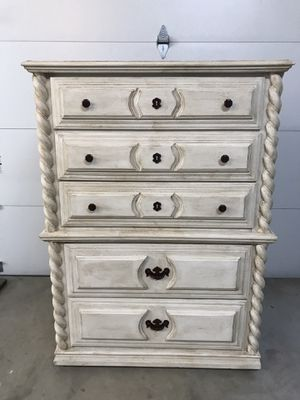 Chalk paint 5 drawer chest for Sale in College Grove, TN