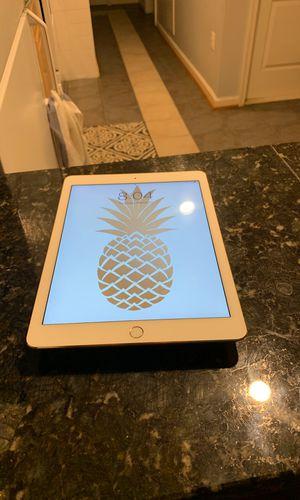 iPad Air 2 GOLD for Sale in Kensington, MD