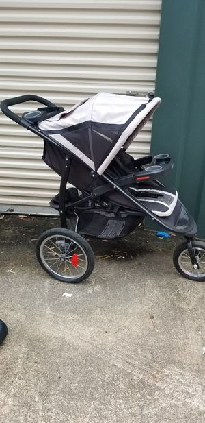 Graco jogging stroller for Sale in Denham Springs, LA