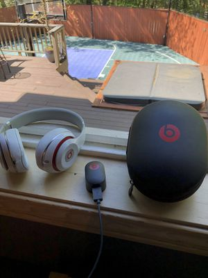 BEATS STUDIO HEADPHONES WHITE for Sale in Portland, OR