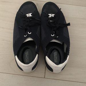 Size 8 Women's Michael Kors Sneakers for Sale in Fort Lauderdale, FL