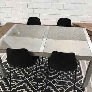 Outdoor Table And Chairs for Sale in Lakewood, CA