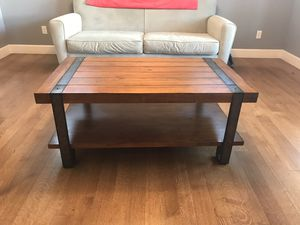 MUST GO TODAY ! JULY 17th COFFEE TABLE for Sale in Bend, OR