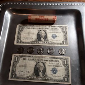 (#101-BB) WHEAT PENNYS, SILVER CIRTIFICATES, UNC, WAR STEEL PENNYS for Sale in Roscoe, IL