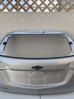 2017 2018 2019 Chevy Equinox tailgate for Sale in Ontario,  CA