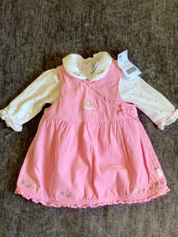New Dress with onesies for a girl size:3M
