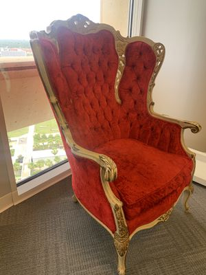 Red Regal Antique Throne Chair for Sale in Tampa, FL